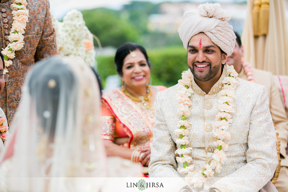 37-laguna-cliffs-marriott-indian-wedding-photographer-wedding-ceremony-photos