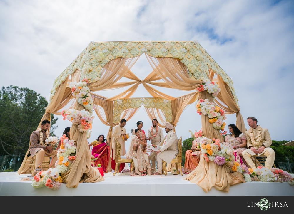 39-laguna-cliffs-marriott-indian-wedding-photographer-wedding-ceremony-photos