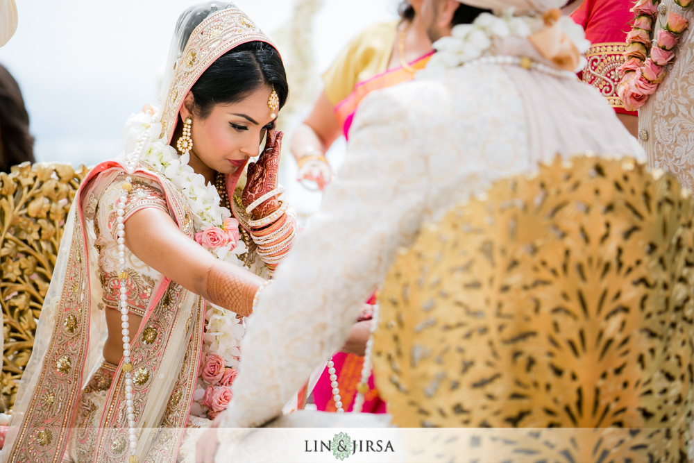 40-laguna-cliffs-marriott-indian-wedding-photographer-wedding-ceremony-photos