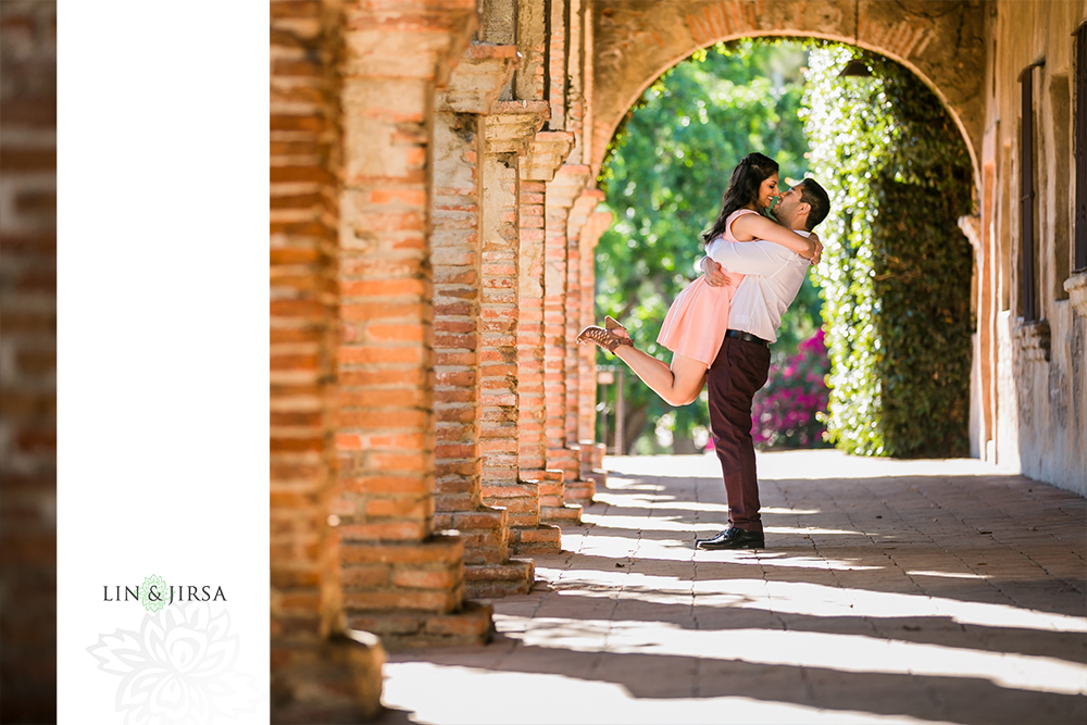 29-Mission-San-Juan-Capistrano-Engagement-Photography