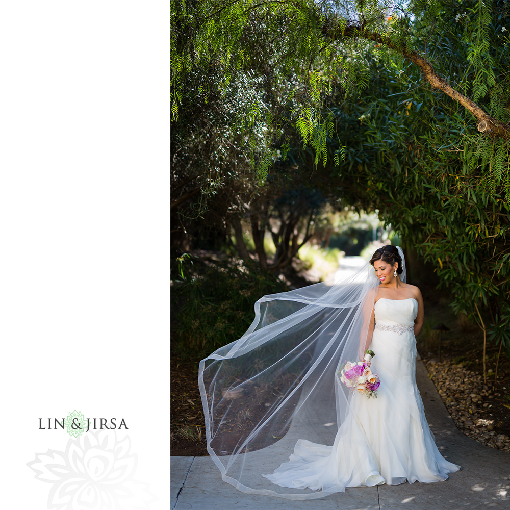 15-Estancia-La-Jolla-Hotel-Wedding-Photos