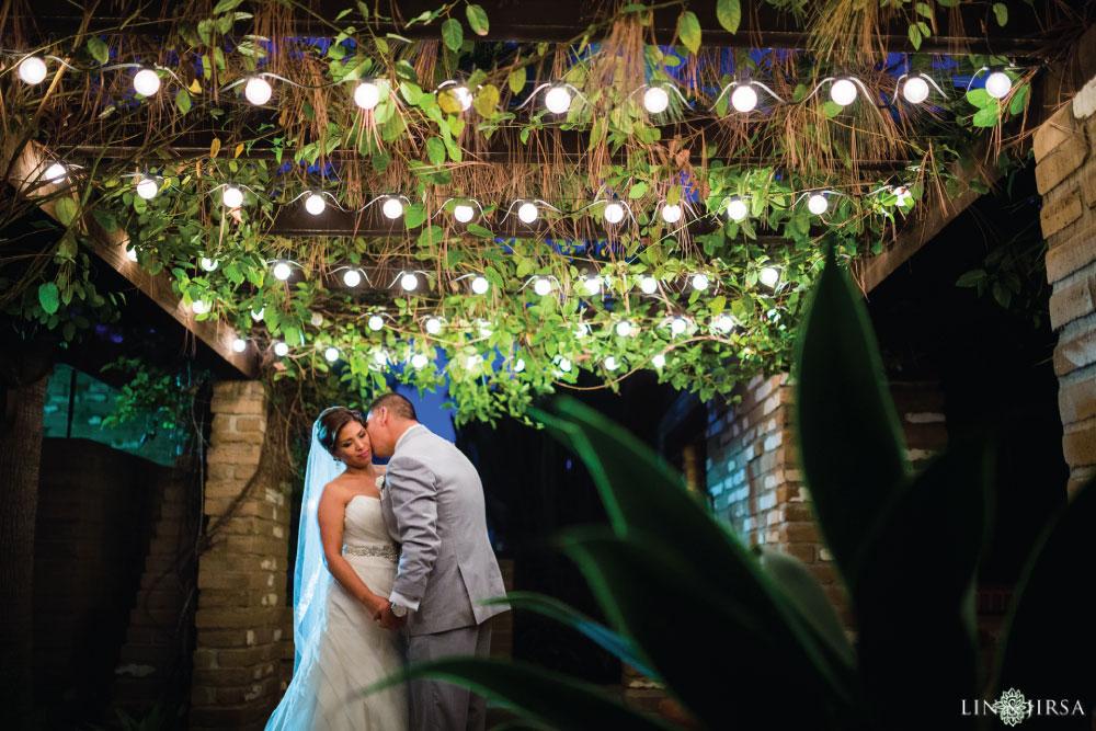34-Estancia-La-Jolla-Hotel-Wedding-Photos