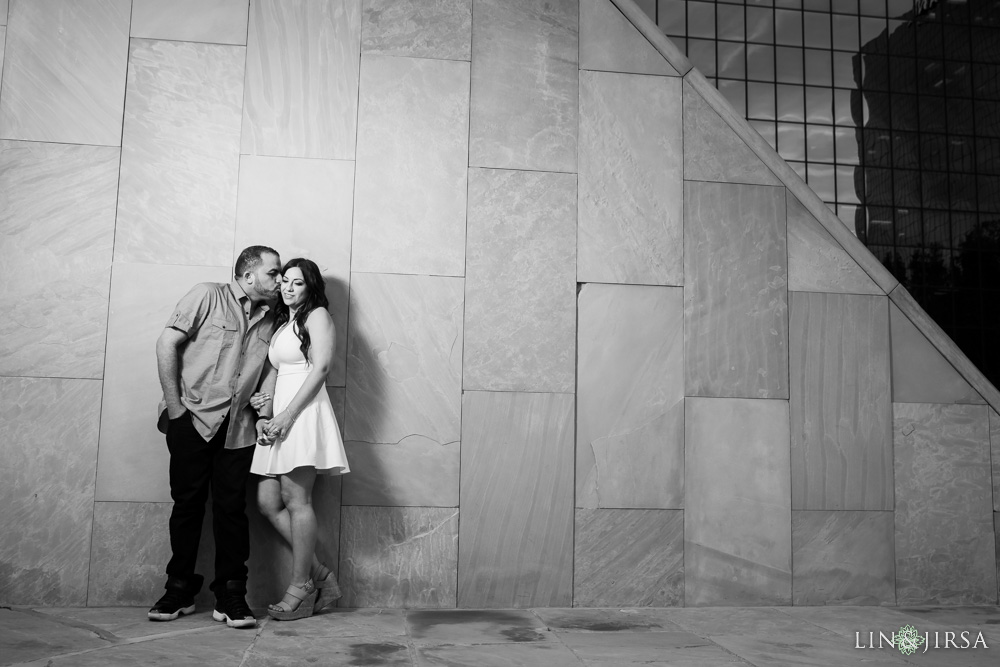 08-noguchi-gardens-orange-county-engagement-photographer