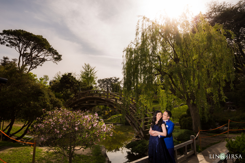 0003-huntington-library-pasadena-engagement-photographer