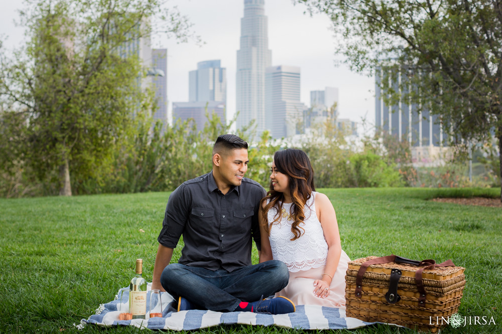 09-Downtown-Los-Angeles-Engagement-Photography