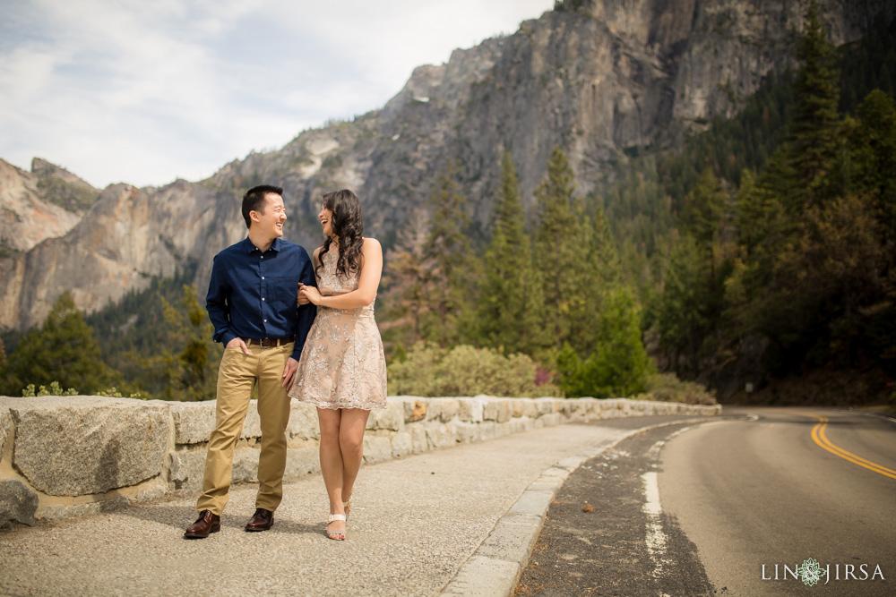 0010-LJ-Yosemite-Engagement-Photography