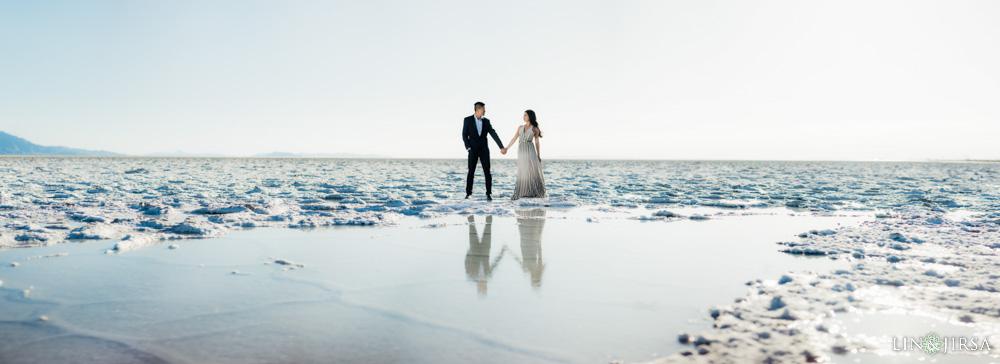 01-Bonneville-Salt-Flats-Utah-Engagement-Photos
