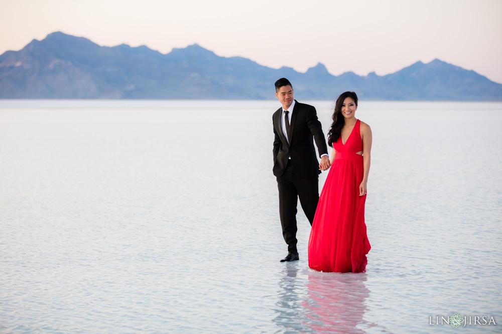 Bonneville Salt Flats Engagement Photography Vy Amp Chris