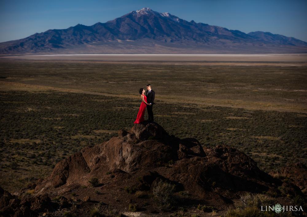 20-Bonneville-Salt-Flats-Engagement
