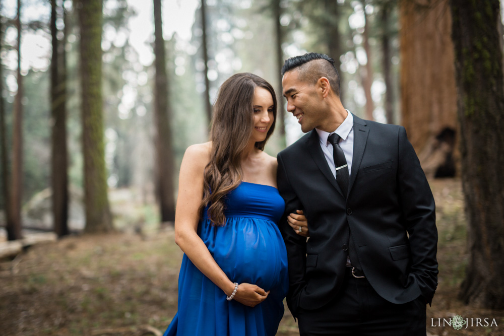 12-Sequoia-National-Park-Maternity-Session-Photography
