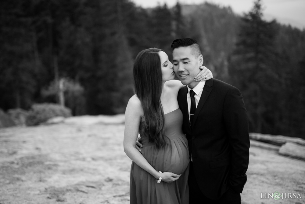20-Sequoia-National-Park-Maternity-Session-Photography
