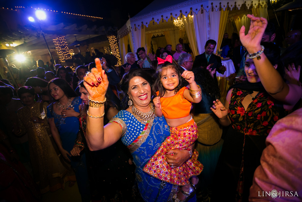 26-Palos-Verdes-Mendhi-Indian-Wedding-Photography
