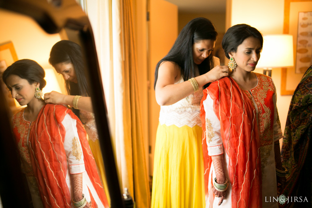 0201-Resort-at-the-mountain-Indian-Pre-Wedding-Photography