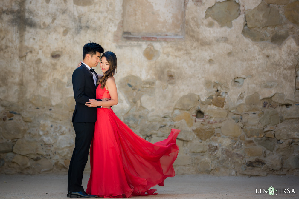 04-Orange-County-Engagement-Photography-Session-Mission-San-Juan-Capistrano-Victoria-Beach