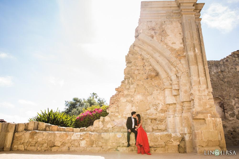06-Orange-County-Engagement-Photography-Session-Mission-San-Juan-Capistrano-Victoria-Beach