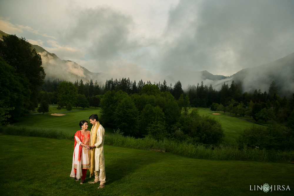 2101-Resort-at-the-mountain-Indian-Pre-Wedding-Photography