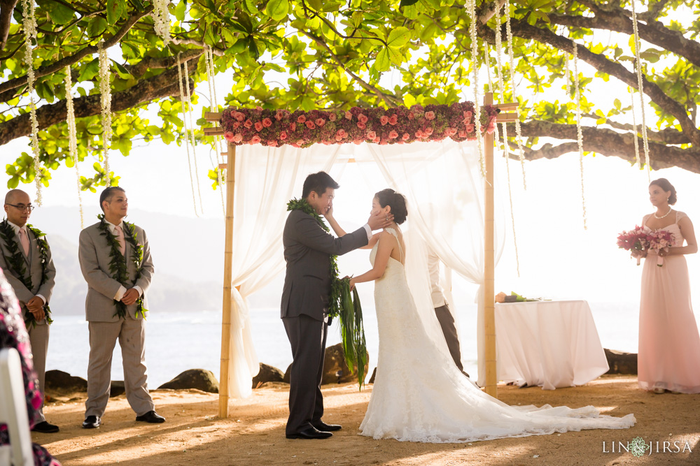 35-St-Regis-Princeville-Kauai-Hawaii-Wedding-Photography