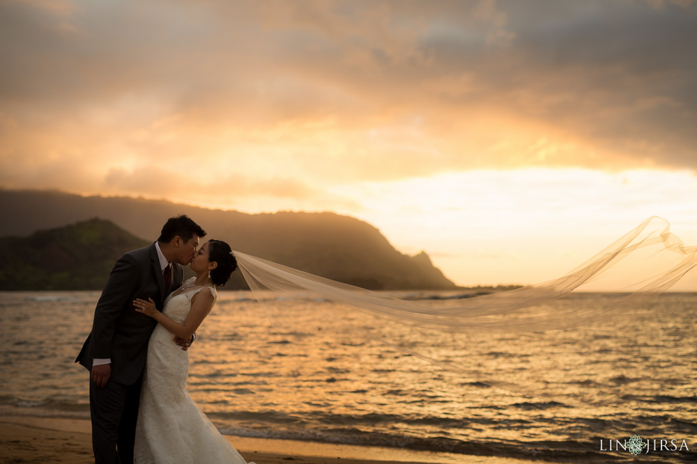 41-St-Regis-Princeville-Kauai-Hawaii-Wedding-Photography