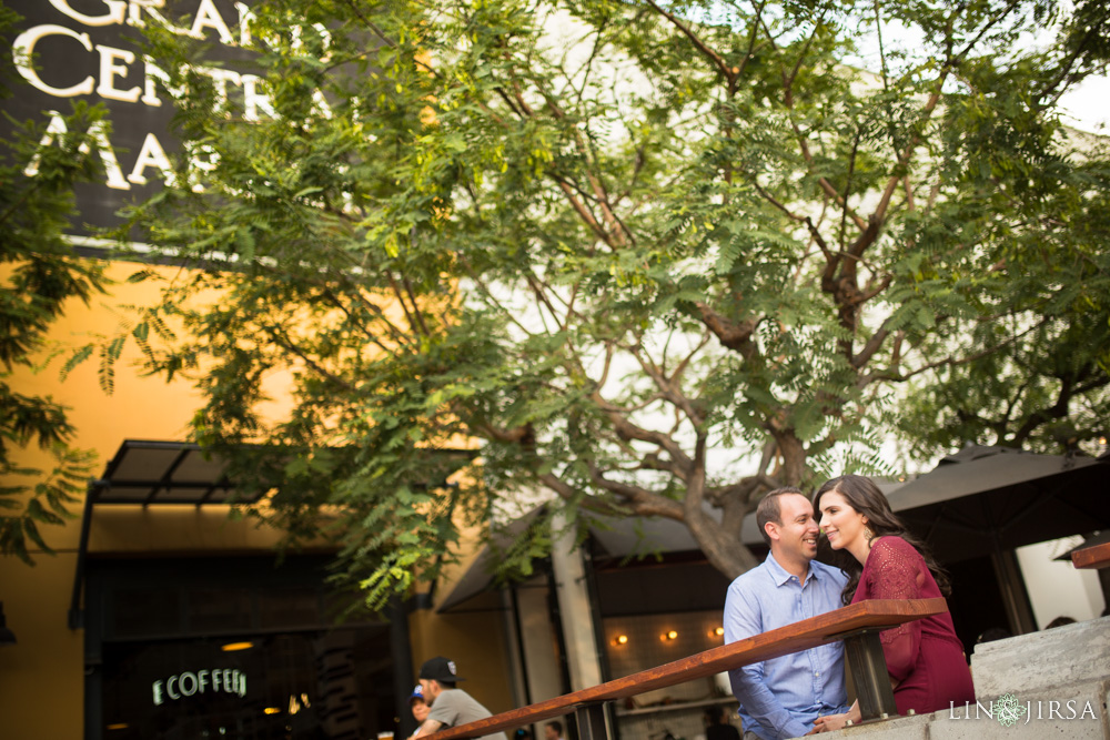 04-grand-central-market-los-angeles-engagement-photography