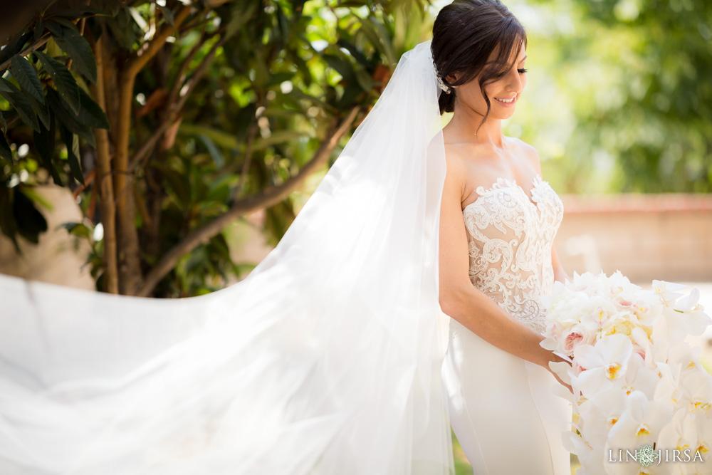 06-renaissance-banquet-hall-glendale-wedding-photography