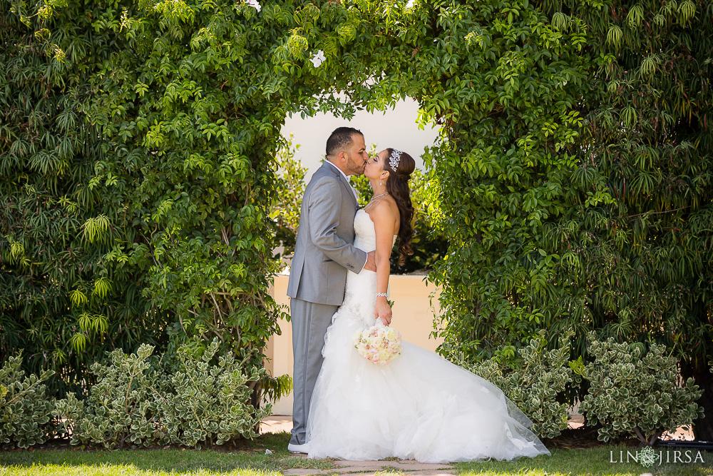 10-balboa-bay-resort-persian-wedding-photography