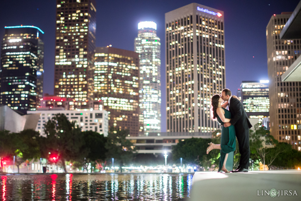 14-grand-central-market-los-angeles-engagement-photography
