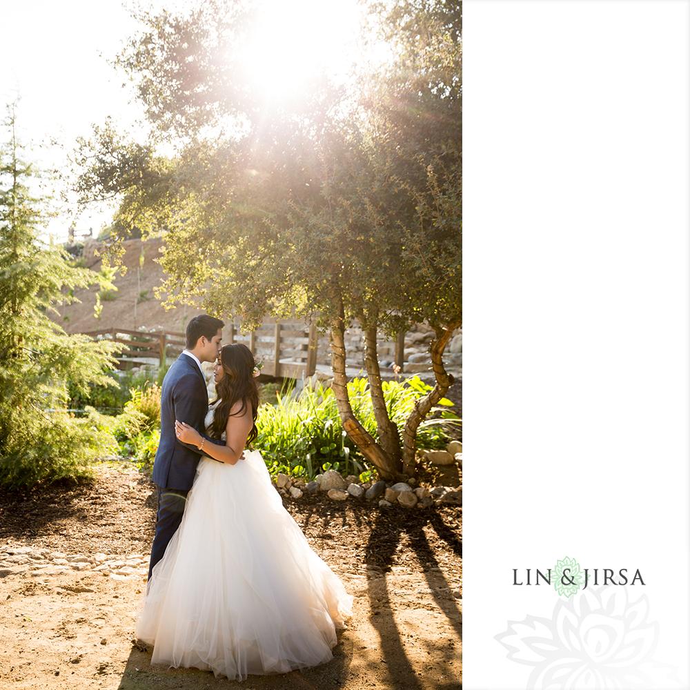 26-serendipity-gardens-oak-glen-wedding-photography