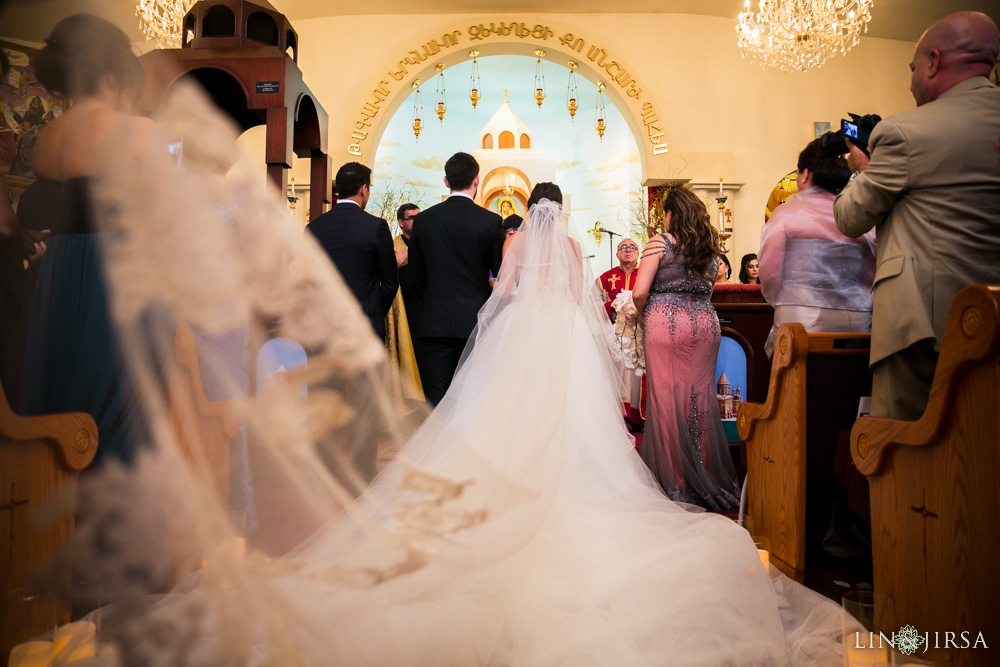 Renaissance banquet hall wedding