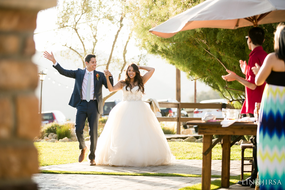 31-serendipity-gardens-oak-glen-wedding-photography