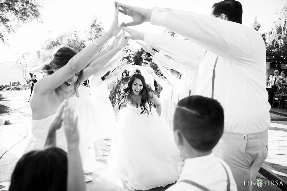 32-serendipity-gardens-oak-glen-wedding-photography