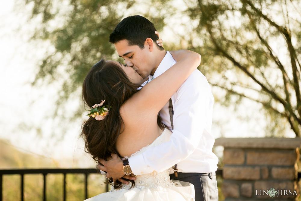 34-serendipity-gardens-oak-glen-wedding-photography