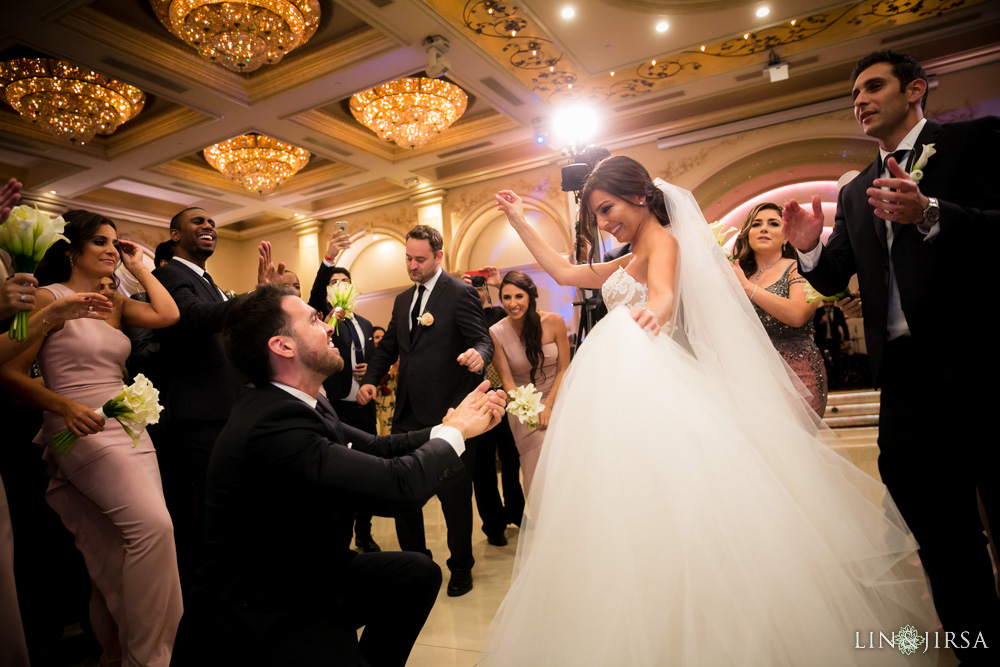 35-renaissance-banquet-hall-glendale-wedding-photography