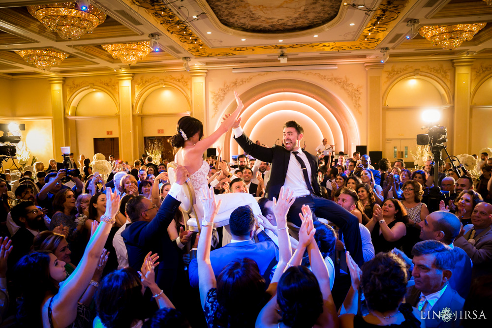 40-renaissance-banquet-hall-glendale-wedding-photography