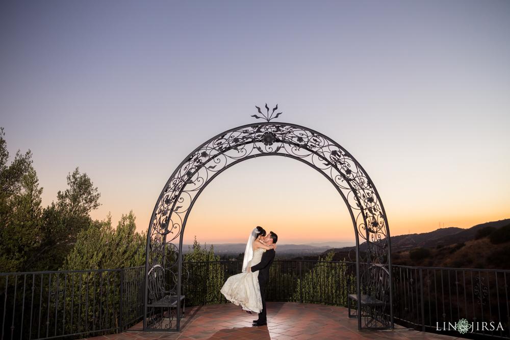 17-padua-hills-theatre-wedding-photography