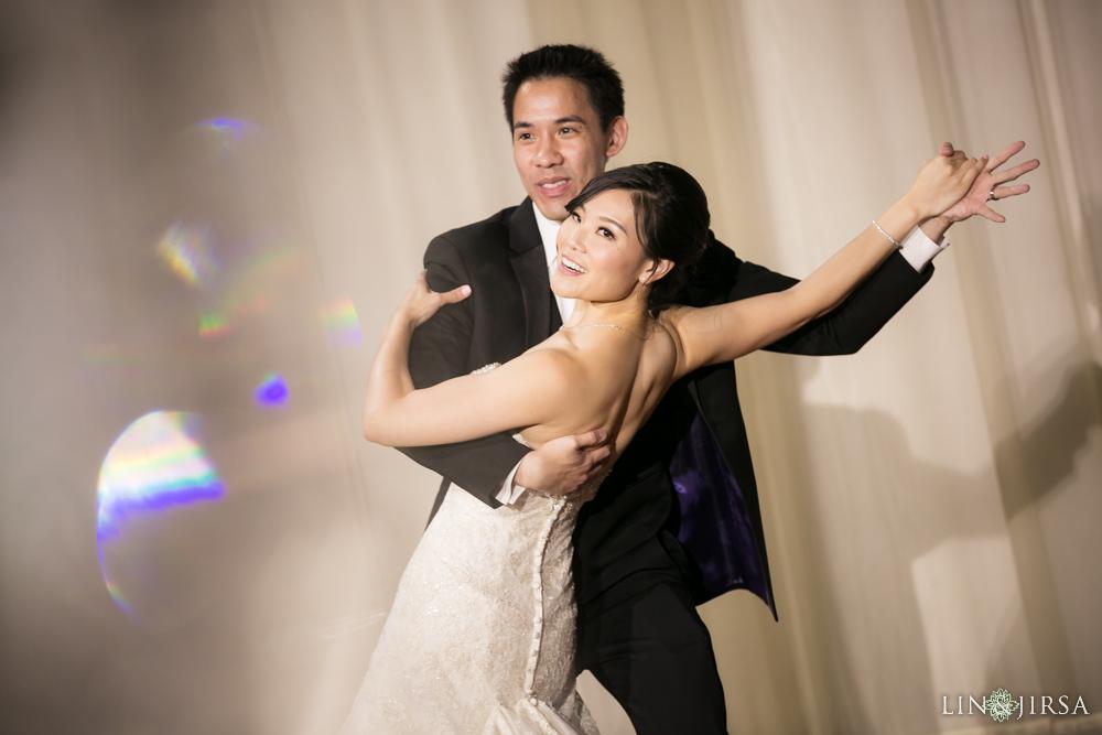 22-padua-hills-theatre-wedding-photography