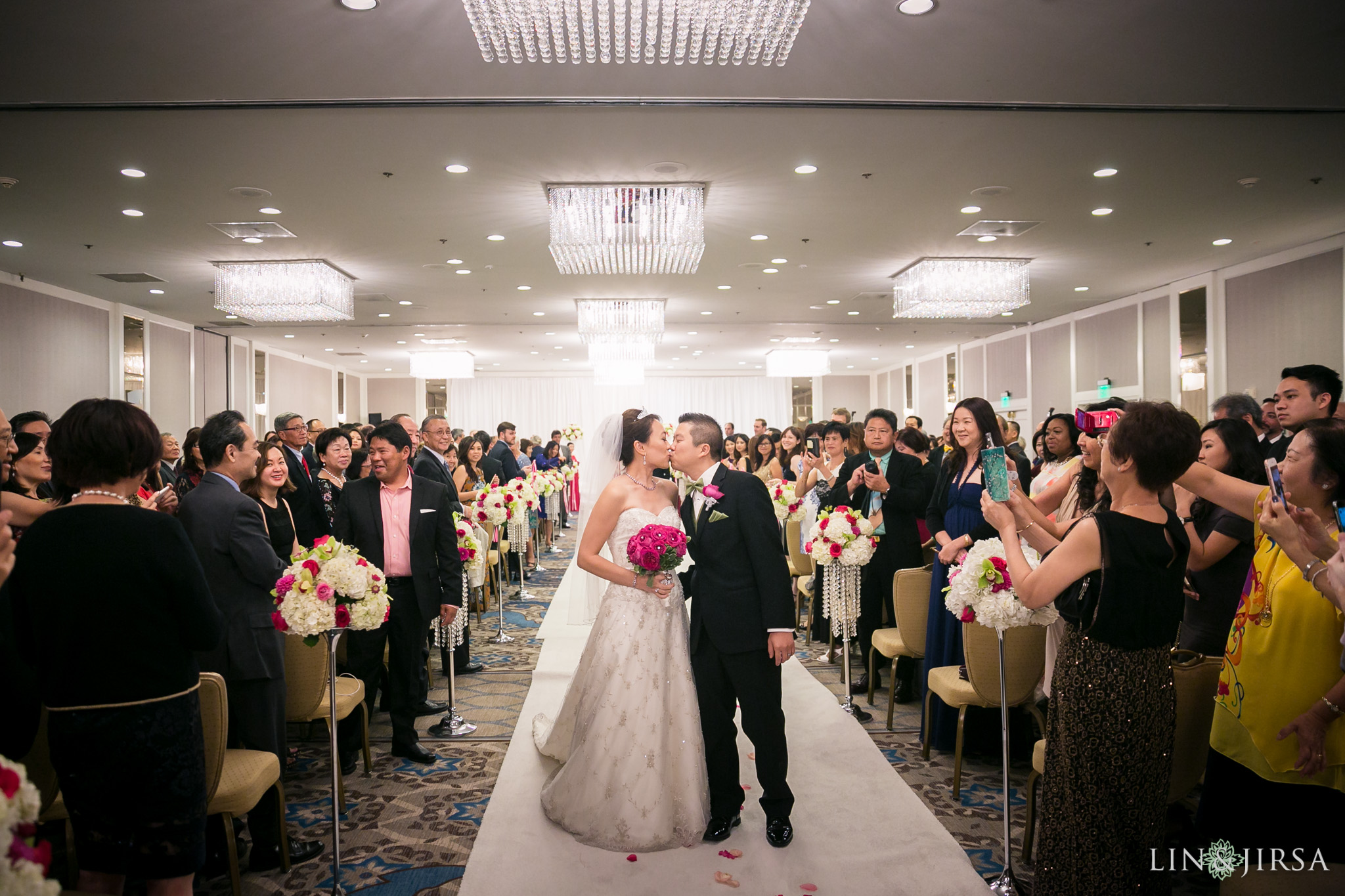 24-universal-city-sheraton-wedding-photography