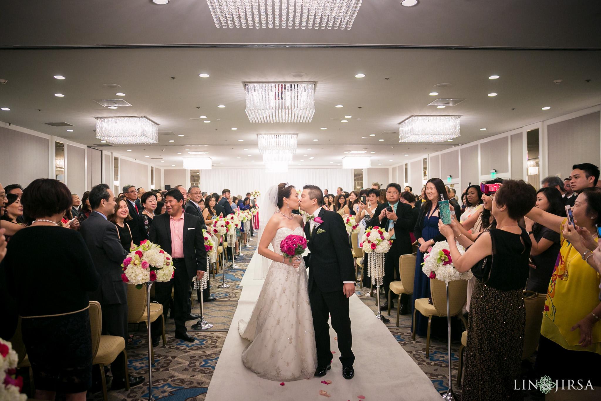 24-universal-city-sheraton-wedding-photography