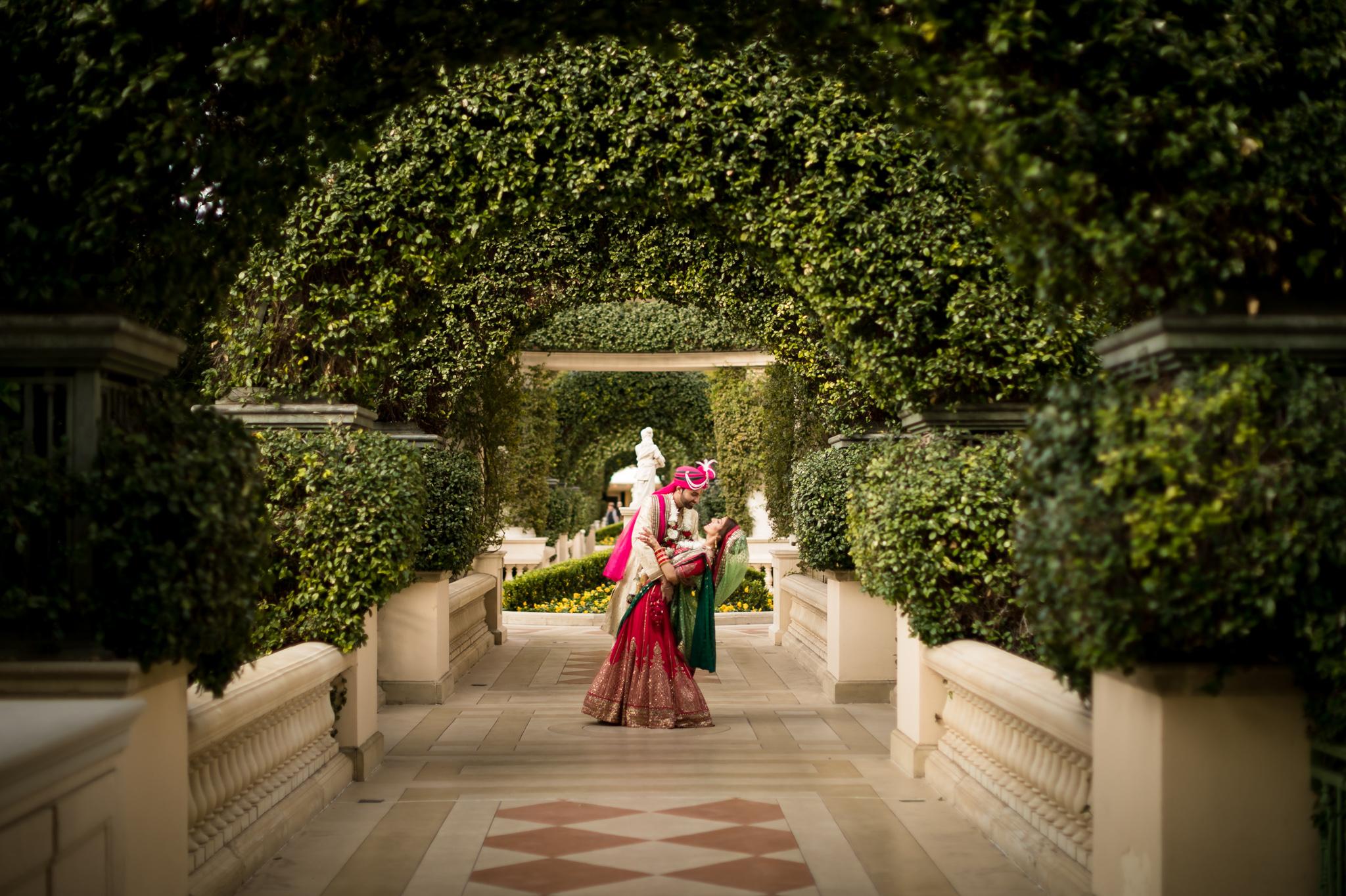 Bellagio las vegas indian wedding harleen pavan for Wedding photography las vegas