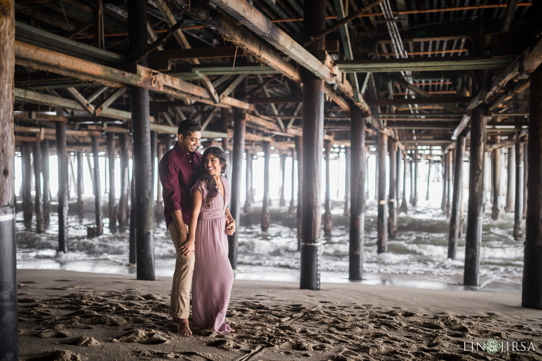 16-santa-monica-pier-los-angeles-engagement-photography