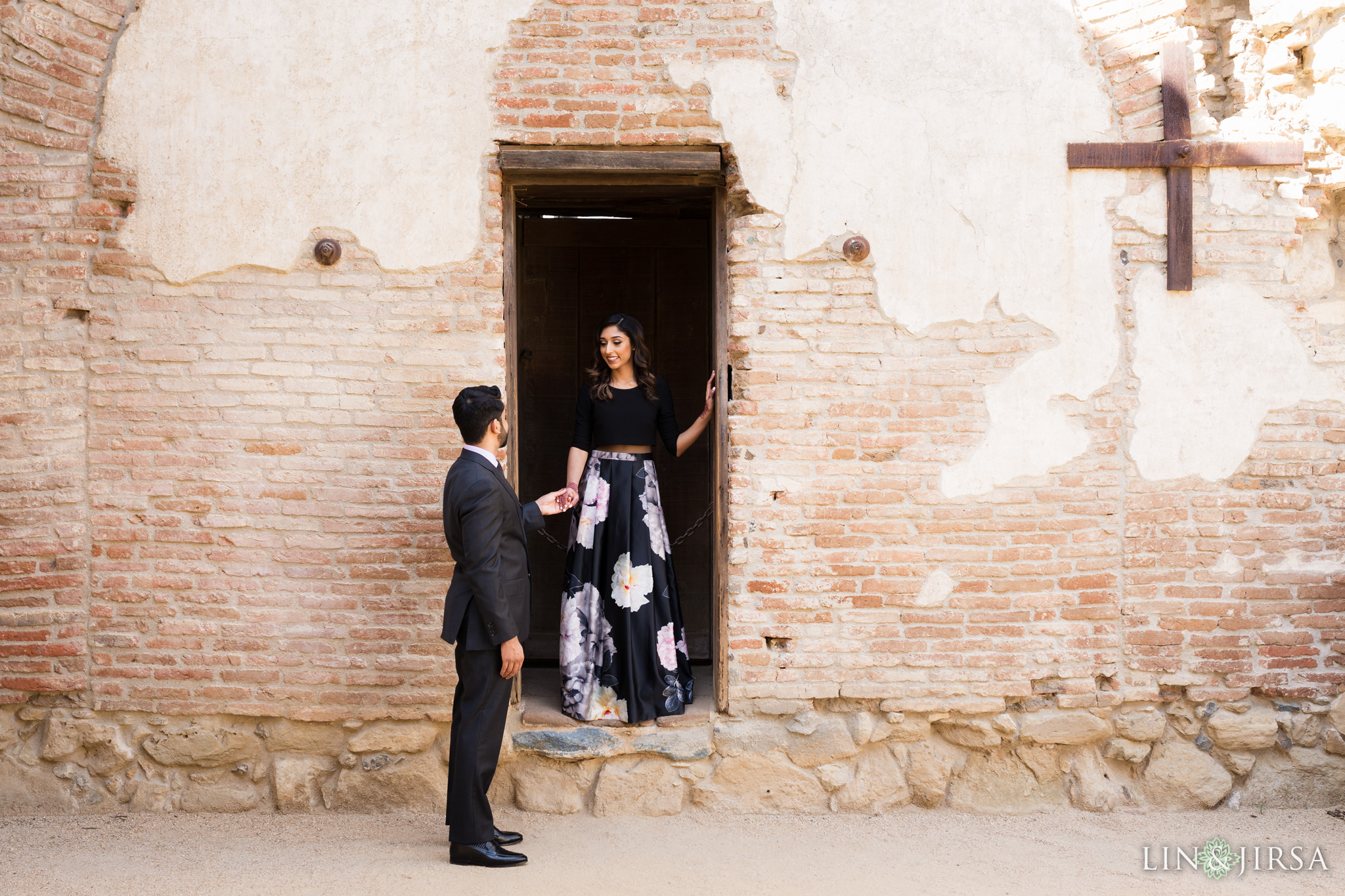 03-mission-san-juan-capistrano-engagement-photography