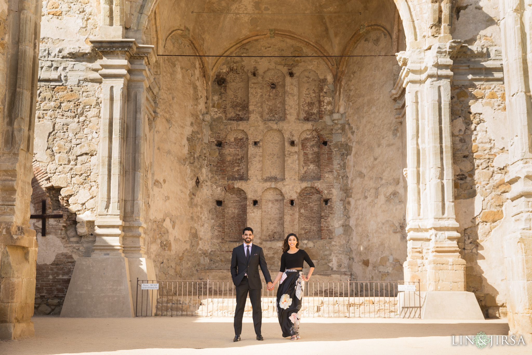 05-mission-san-juan-capistrano-engagement-photography