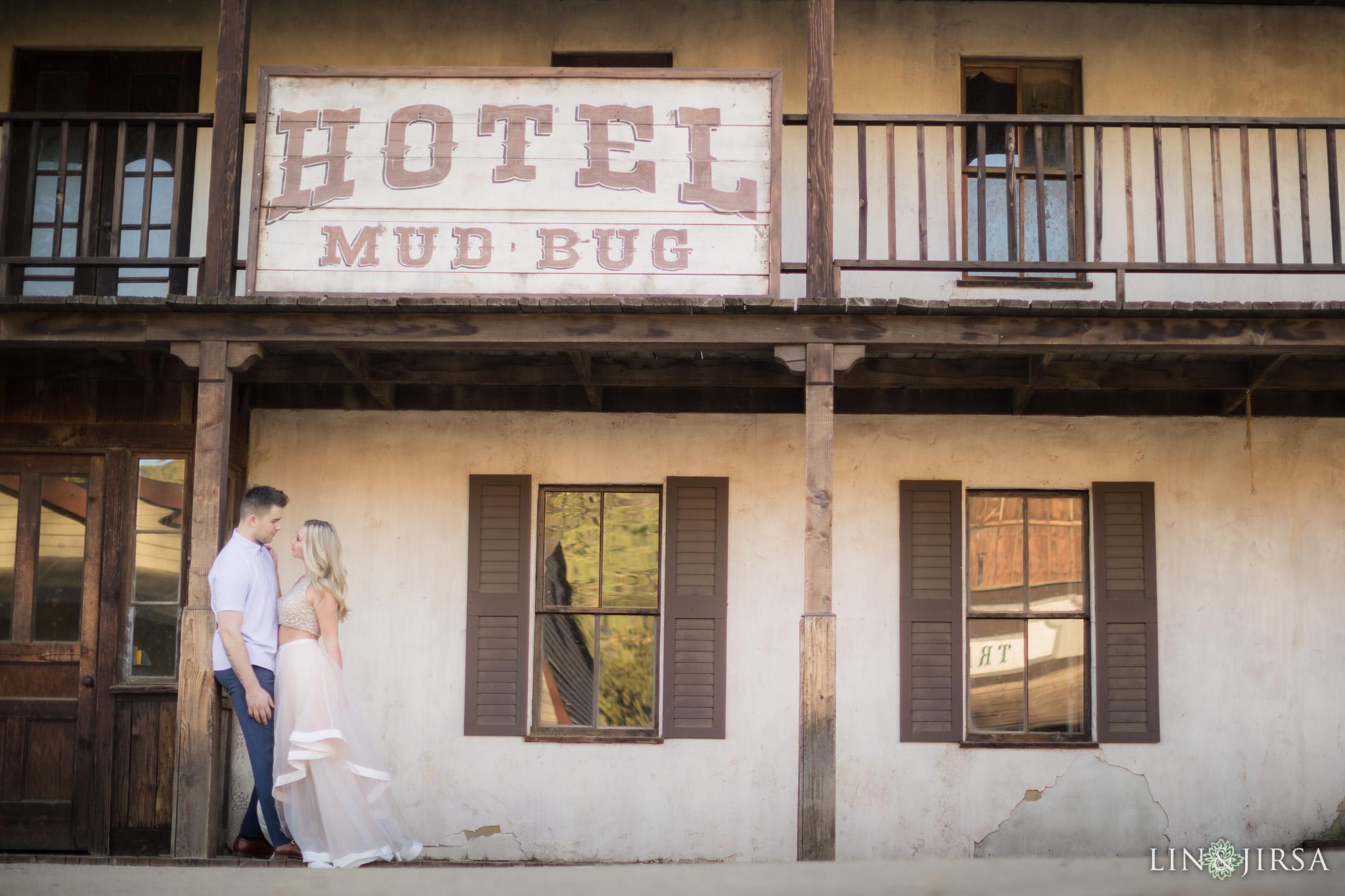 08-paramount-ranch-malibu-engagement-photography
