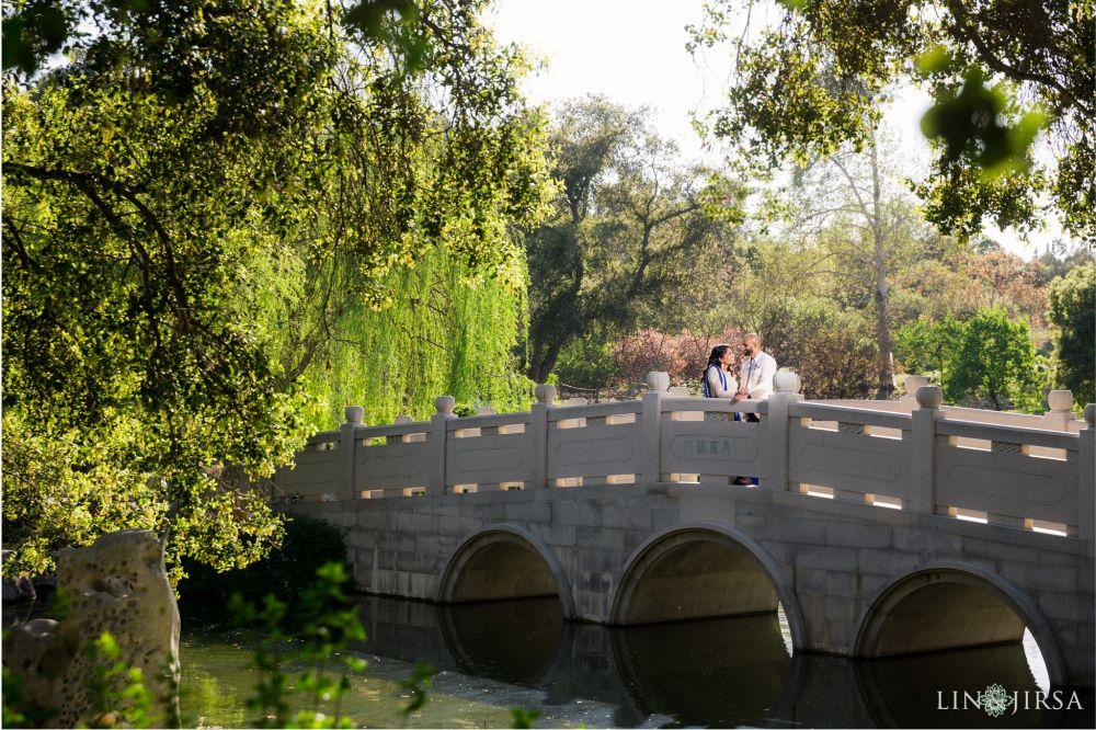09-huntington-garden-engagement-photography