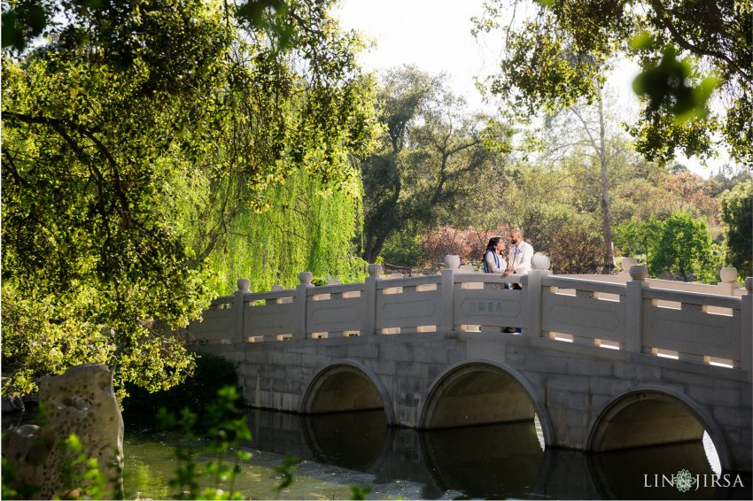 09-huntington-garden-engagement-photography