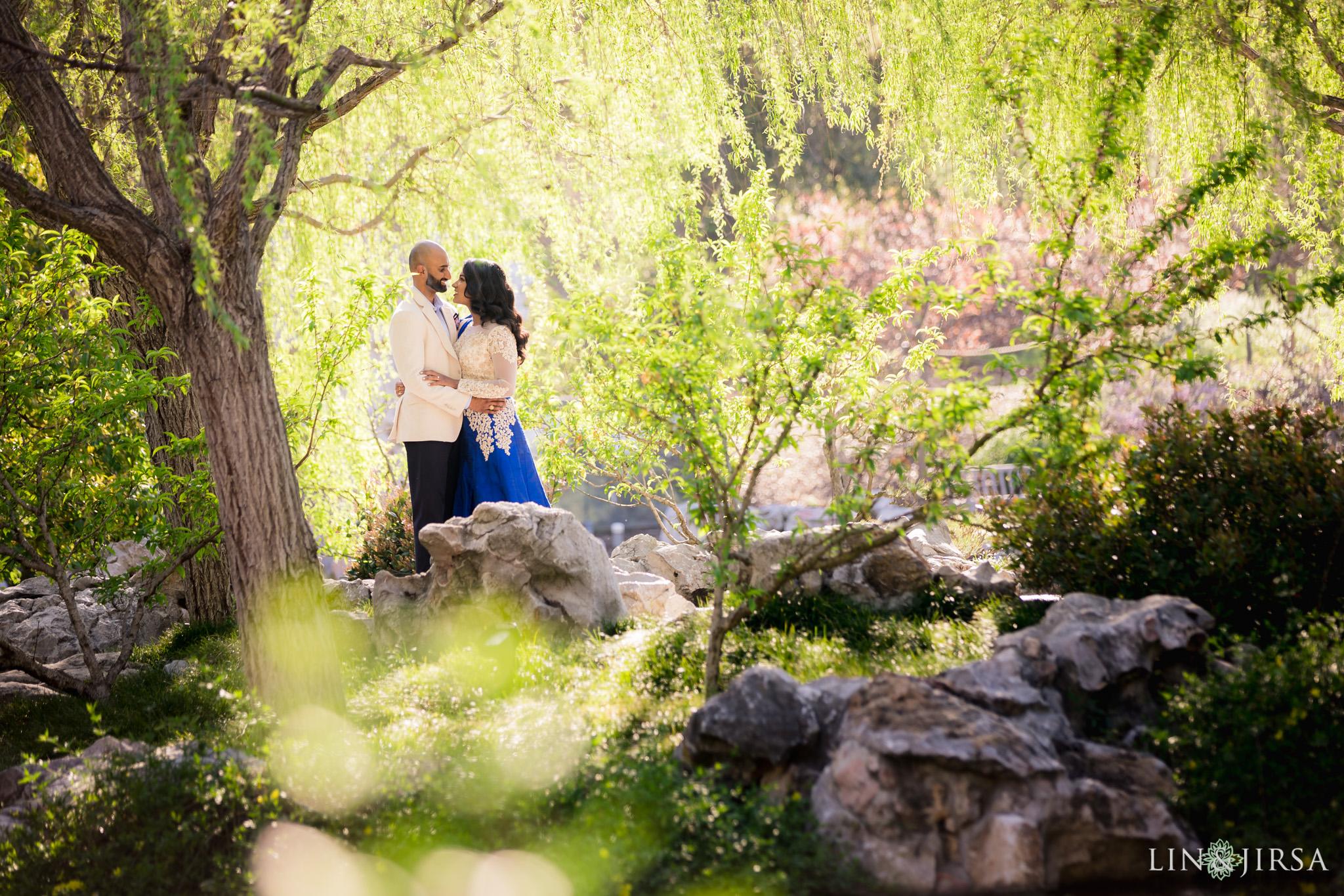 10-huntington-garden-engagement-photography