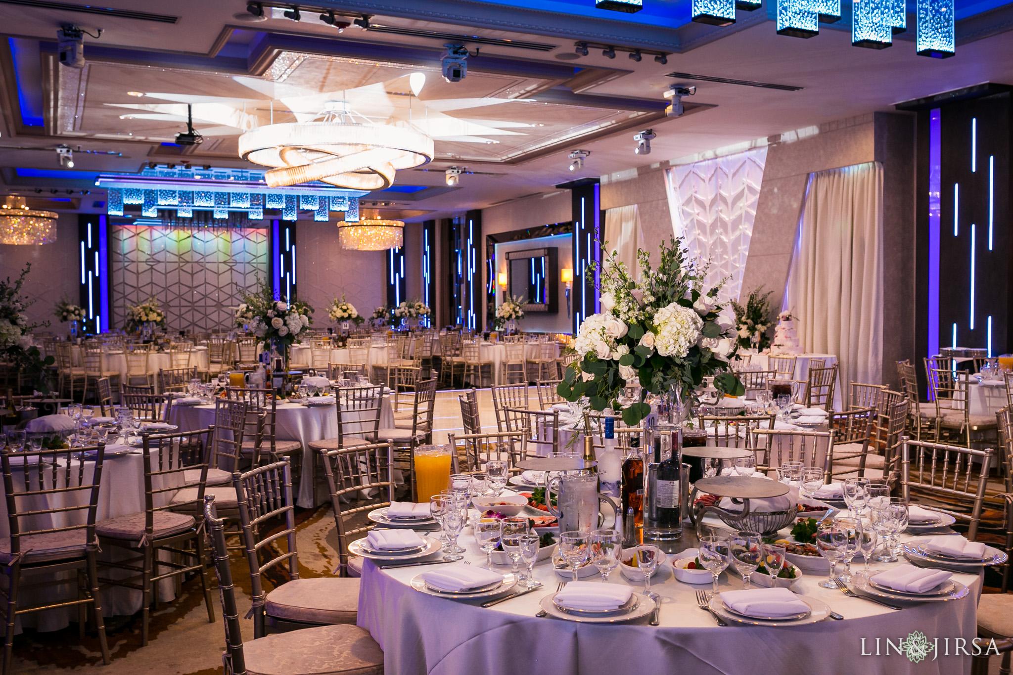 De Lux Banquet Hall Los Angeles Wedding Caroline Amp Serj
