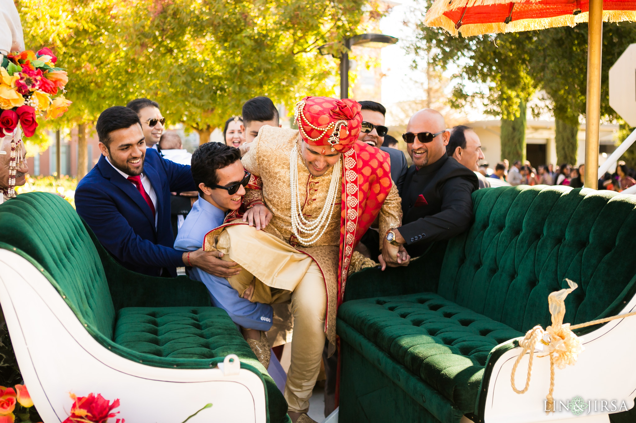 21 four seasons westlake village indian wedding baraat photography