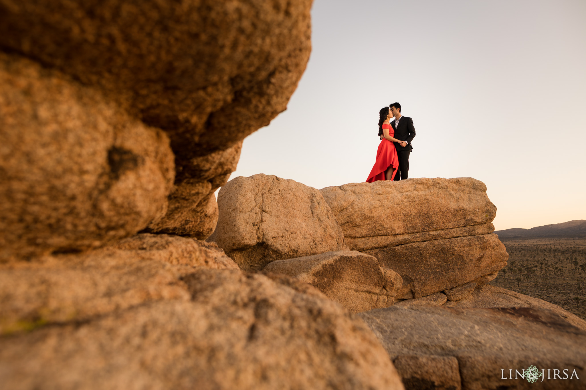 18 joshua tree national park engagement photography