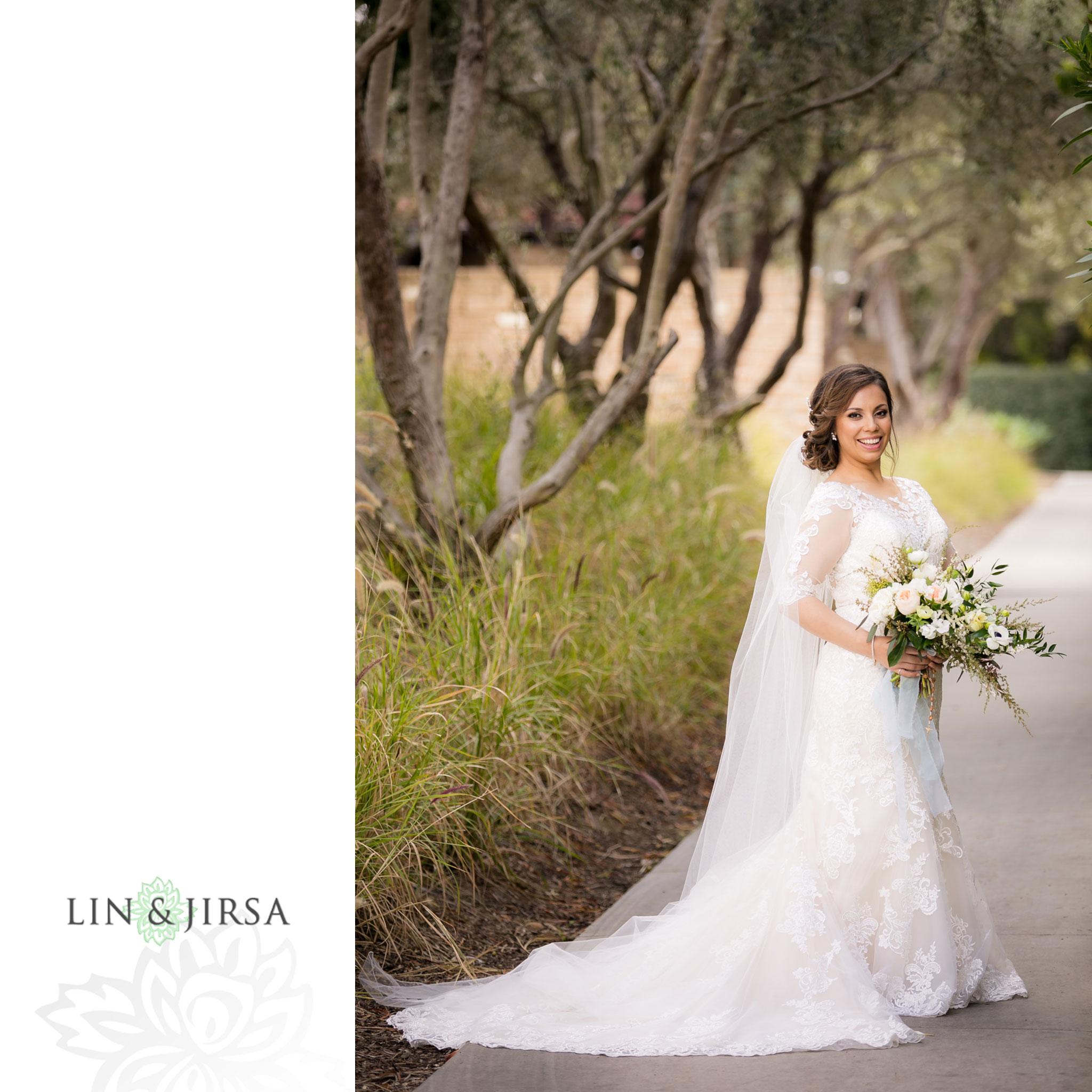 06 estancia la jolla hotel and spa bride wedding photography