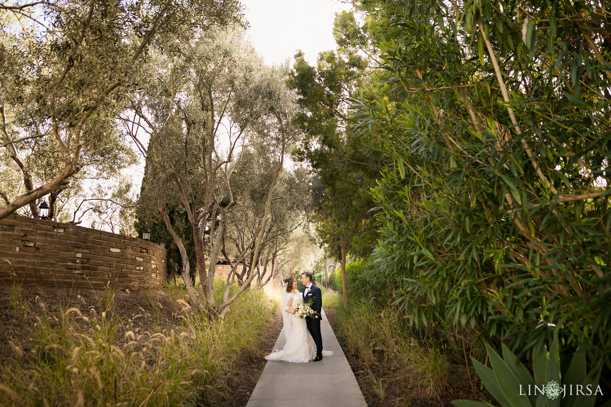 13 estancia la jolla hotel and spa wedding photography